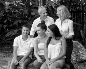 relaxed black and white family photography brisbane