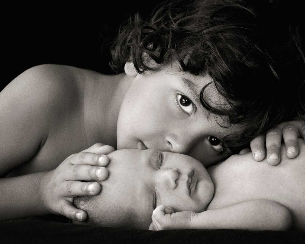 adorable newborn and sibling photography brisbane