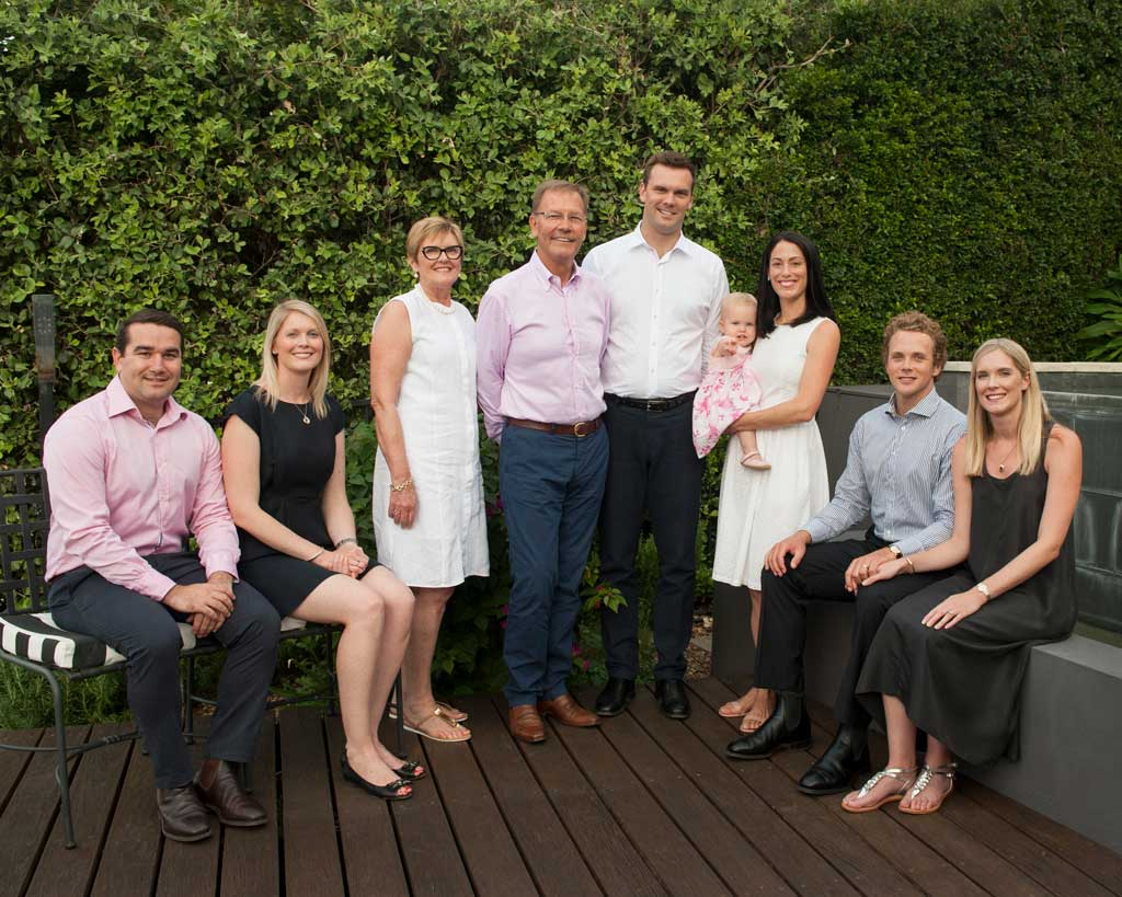 intergenerational and extended family photoshoot with grandparents and grandchildren brisbane