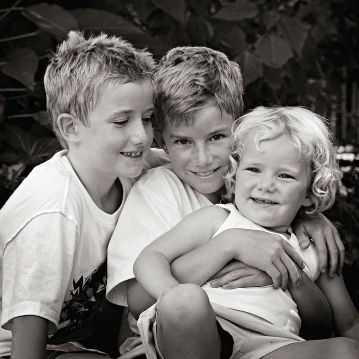 sibling family photography in black and white outdoor studio brisbane