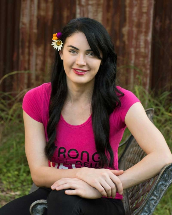 relaxed headshot in outdoor photography studio brisbane