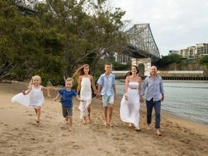brisbane family portrait location photoshoots Captain Burke Park