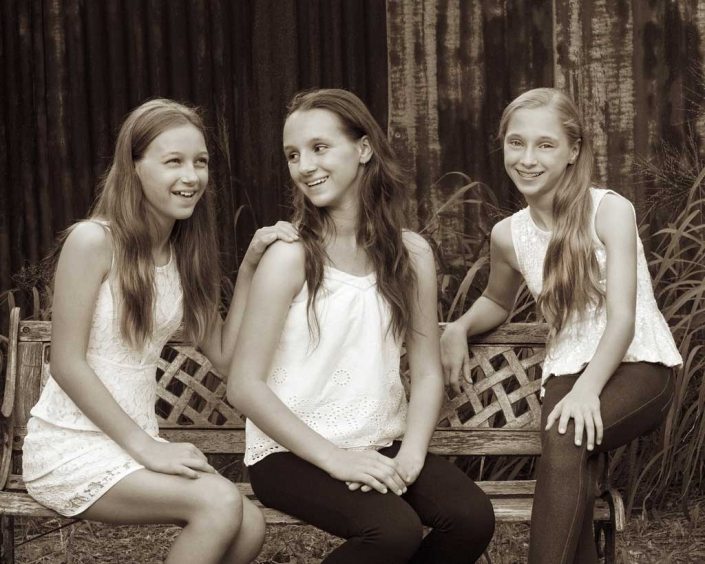 sister photoshoot for Brisbane children